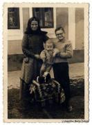 Ana i Makso Rapić s malim Markom